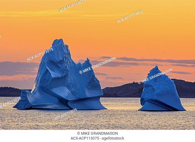 Icebergs in the Atlantic Ocean (Bonavista Bay ) at sunset, Eastport, Newfoundland & Labrador, Canada