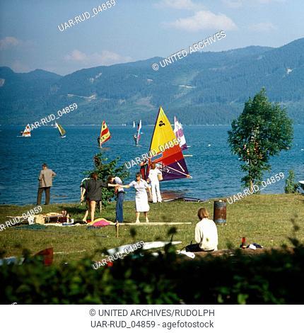 Reise nach Deutschland, Bayern. Travel to Germany, Bavaria. Sommer am Walchensee in Oberbayern in den 1980er Jahren. Summer at lake Walchensee in Upper Bavaria...