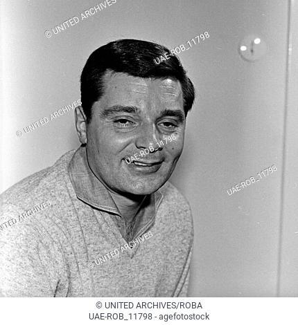 Der deutsche Schauspieler und Synchronsprecher Peer Schmidt, Deutschand 1960er Jahre. German dubbing actor and actor Peer Schmidt, Germany 1960s