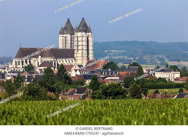 France, Oise, Noyon, Notre Dame cathedral