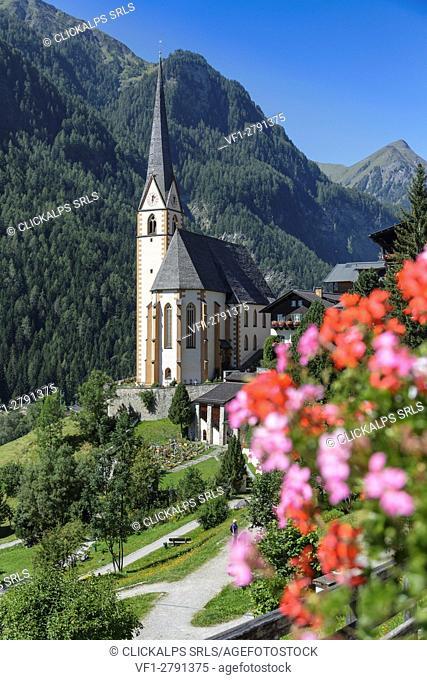 Europe, Austria, Carinthia, district of Spittal an der Drau. Heiligenblut with St Vincent Church, High Tauern National Park