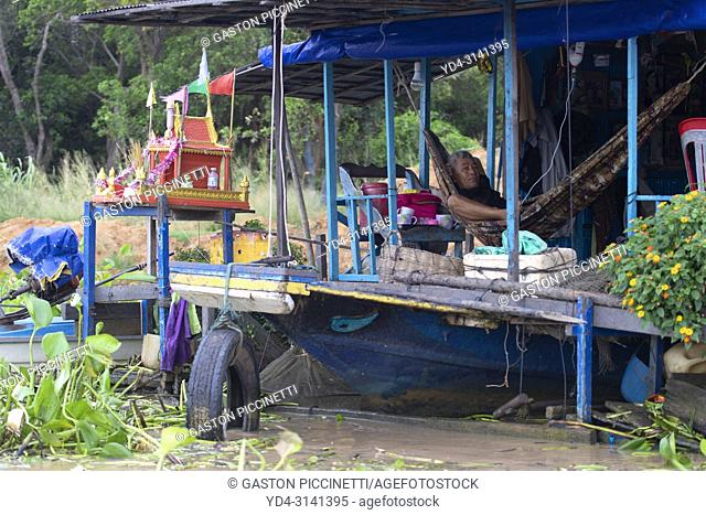 Houseboat, Chang Kneas floating village, Siem Reap Province, Cambodia. Chang Kneas, is one of the more than 170 villages surrounding the Tonle Sap Lake
