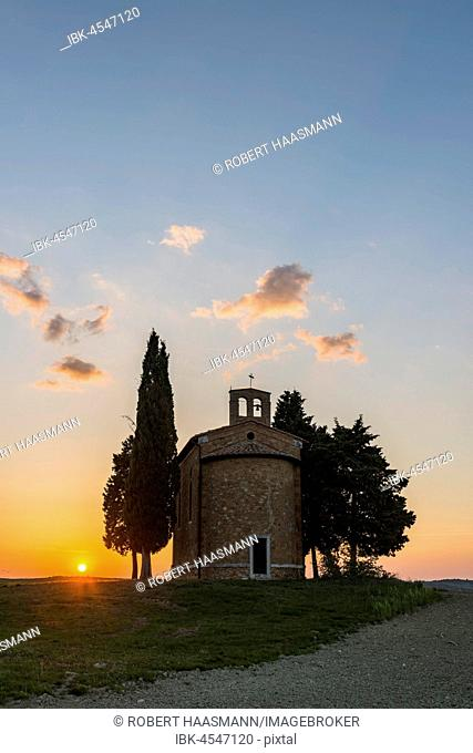 Cappella della Madonna di Vitaleta, chapel at sunset, Val d'Orcia, Tuscany, Italy