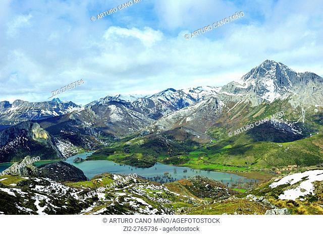 The reservoir of Porma in the Mountains of León. Leon province, Spain