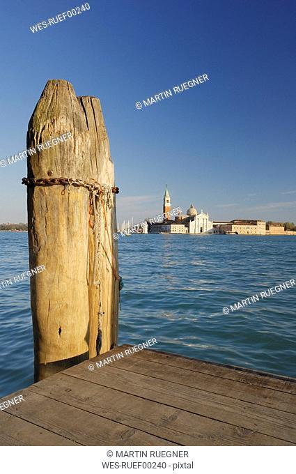 Italy, Venice, San Giorgio Maggiore, Deserted bordwalk