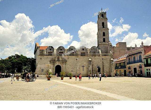 Basilica de San Francisco de Asis, old town Habana Vieja, UNESCO World Heritage Site, Havana, Cuba, Caribbean