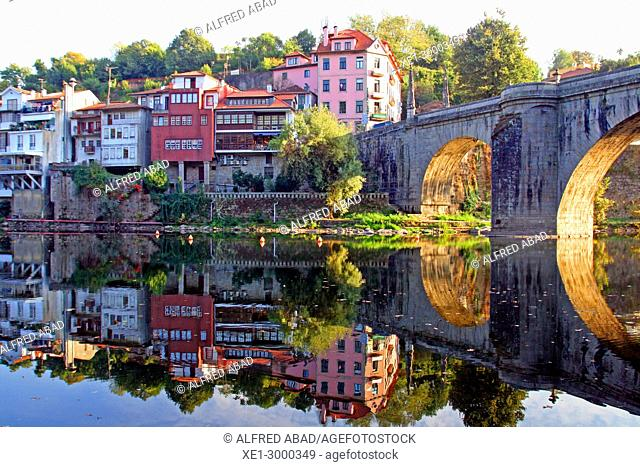 Tmega river and bridge of San Gonzalo, Amarante, Portugal