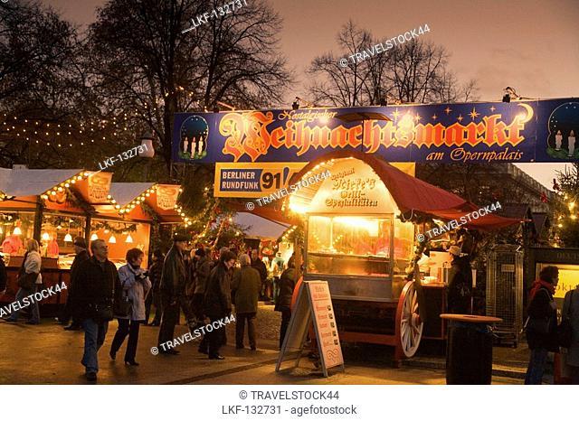 Unter Den Linden Weihnachtsbeleuchtung.Weihnachtsbeleuchtung Unter Den Linden Stock Photos And Images Age