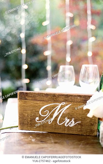 Wood placeholder for newlyweds