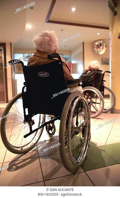 HOME FOR THE AGED<BR>Photo essay from hospital.<BR>Photo essay in nursing home for the elderly in Paris. Disabled patients