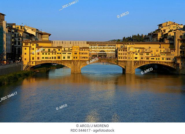 Ponte Vecchio, river Arno, Florence, Tuscany, Italy