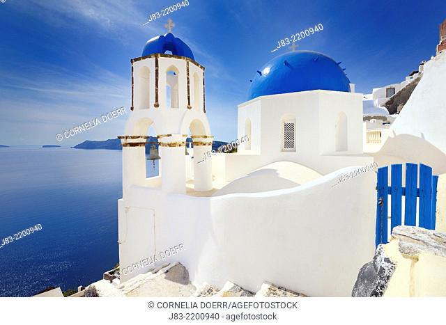 Blue domes of church in Oia village, Santorini, Aegean Island, Cyclades Island, Greek Islands, Greece, Europe