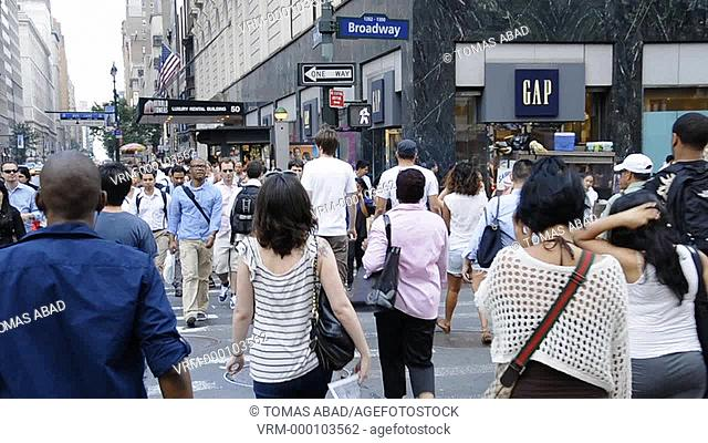 Rush hour afternoon in July, 34th Street, Herald Square, Manhattan, Broadway, New York City, USA