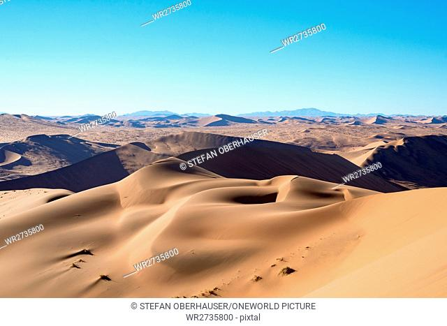 Namibia, Hardap, Sossusvlei, dune landscape, view from the Big Daddy dune