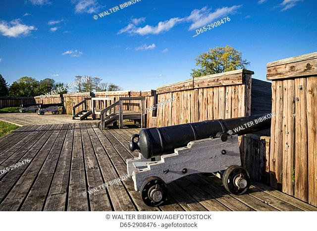 Canada, Ontario, Niagara on the Lake, Fort George, 1797, canons