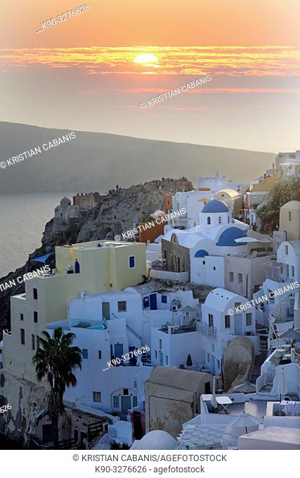 Houses in Oia at twilight, Santorin, Greece, Europe
