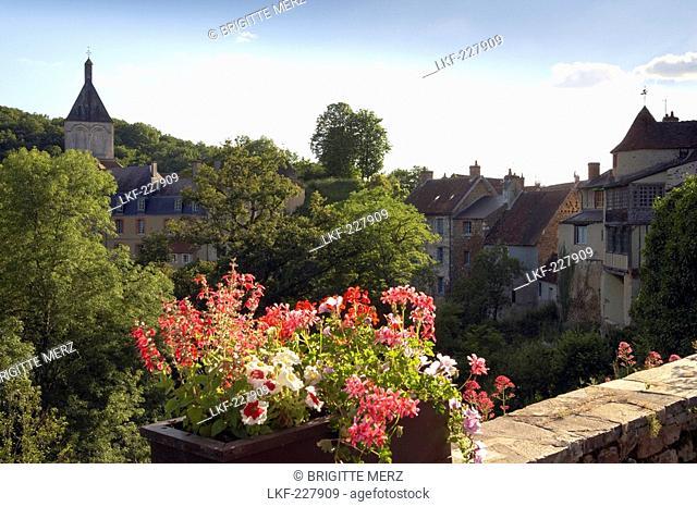 View of Gargilesse village, Chemins de Saint Jacques, The Way of St. James, Via Lemovicensis, Dept. Indre, Region Centre, France, Europe