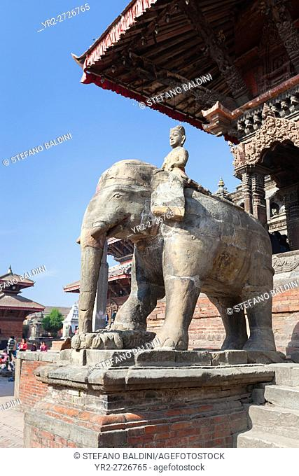 Elephants guarding Vishwanath temple in Durbar square, Patan, Nepal