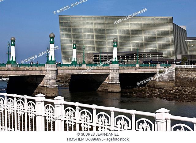 Spain, Basque Country, Guipuzcoa province (Guipuzkoa), San Sebastian (Donostia), European capital of culture 2016, the Kursaal Conference Centre and Auditorium...