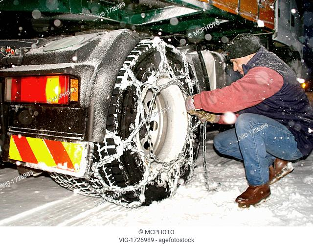 to instal snow chains at a lorry - 01/01/2009