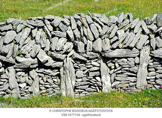 Ireland, County Galway, Aran Islands, Inishmore, Stone wall
