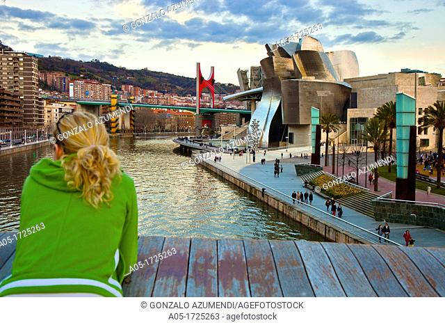 Padre Arrupe footbridge. Nervion River. Guggenheim Museum and La Salve bridge. Bilbao. Bizkaia. Vizcaya. Pais Vasco. Euskadi. Basque Country. Spain