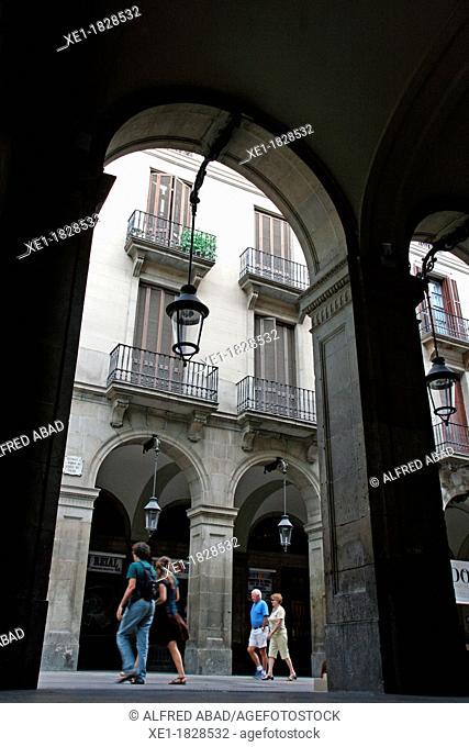 arcades, Colon Street, Plaça Reial, Gothic Quarter, Barcelona, Catalonia, Spain
