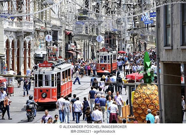 Old trams, Istiklal Caddesi, Istanbul, Turkey, Europe