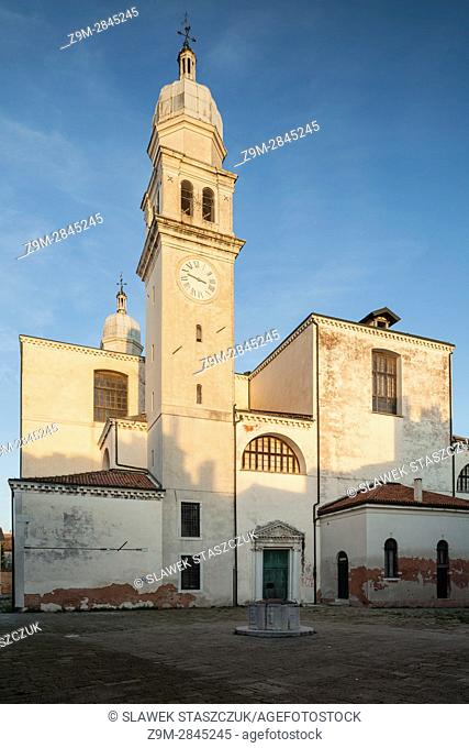 Sunrise at Angelo Raffaele church in the sestiere of Dorsoduro, Venice, Italy