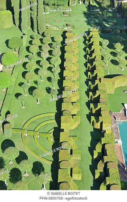 France, Aquitaine, Dordogne ( 24 ), Perigord Black, Salignac, The gardens of the manor house of Eyrignac, Aerial view