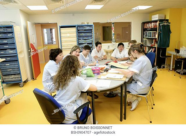 Photo essay at the hospital of Meaux 77, France. Meeting of transmission between two teams
