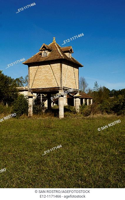 France, Tarn, Gaillac, wine producers, pigeon house
