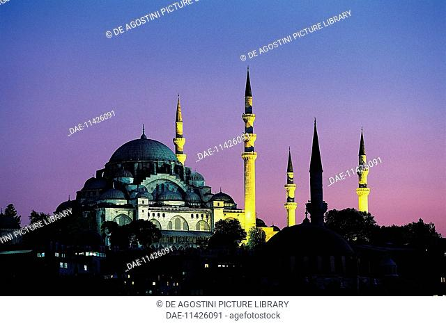 Night view of the Suleymaniye mosque, 1550-1557, historic centre of Istanbul (UNESCO World Heritage List, 1985). Turkey, 16th century