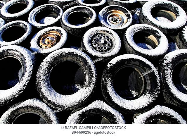 Tyres with snow. Osseja. Languedoc Roussillon. France