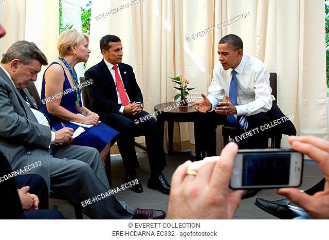 President Barack Obama meets with President Ollanta Humala of Peru during the APEC summit in Honolulu, Hawaii, Sunday, Nov. 13, 2011