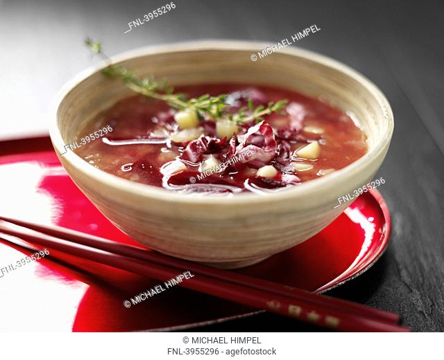 Beetroot soup with ginger