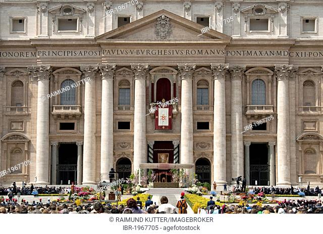 St. Peter's Basilica with Pope Benedict XVI during Easter Mass and Urbi et Orbi papal blessing, balcony Loggia delle Benedizioni, St