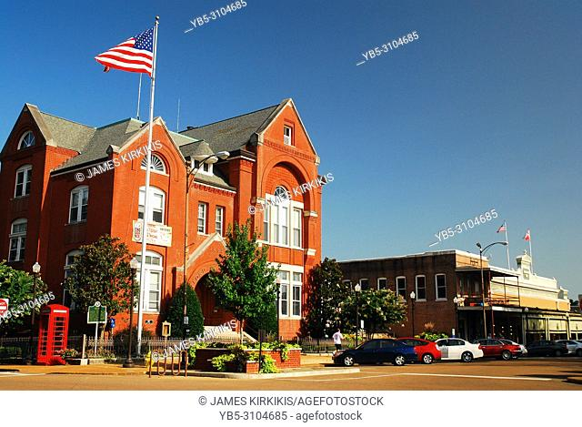 The Oxford, Mississippi Town Hall stands on the corner near the town square