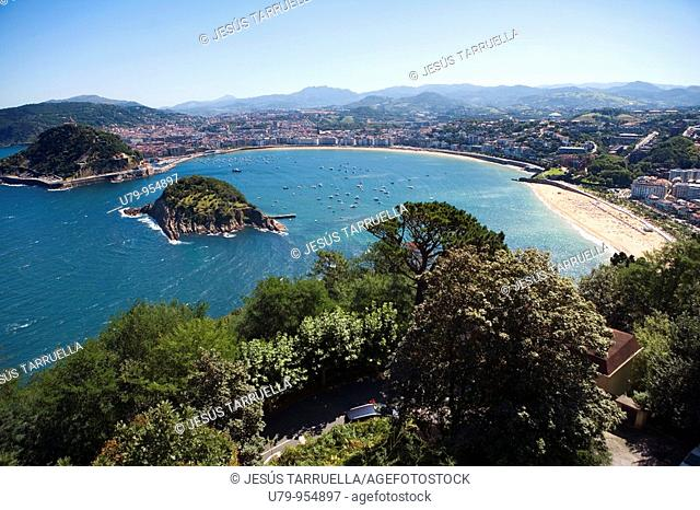 View of the Playa de la Concha, from Mount Igueldo. San Sebastian. Basque Country. Euskadi, Spain. Europe