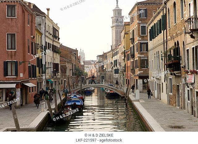 Houses along a narrow canal, View from Ponte San Barnaba to Fondamenta Alberti, Venice, Italy, Europe