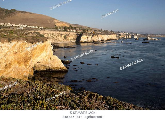 Rocky coastline looking towards Pismo Beach, Pismo Beach, San Luis Obispo County, California, United States of America, North America