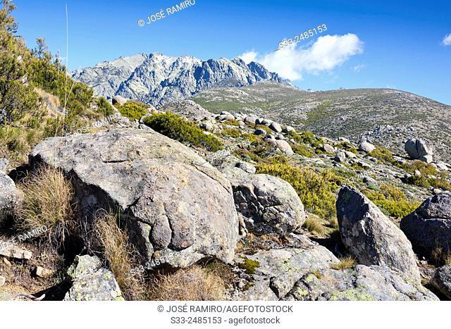 Cuchillar de las Navajas from Caballera cliff in the Sierra de Gredos. Avila. Castilla Leon. Spain. Europe