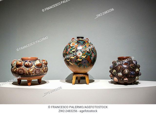 Craft of pottery of area tapatia. Guadalajara, Jalisco. Mexico