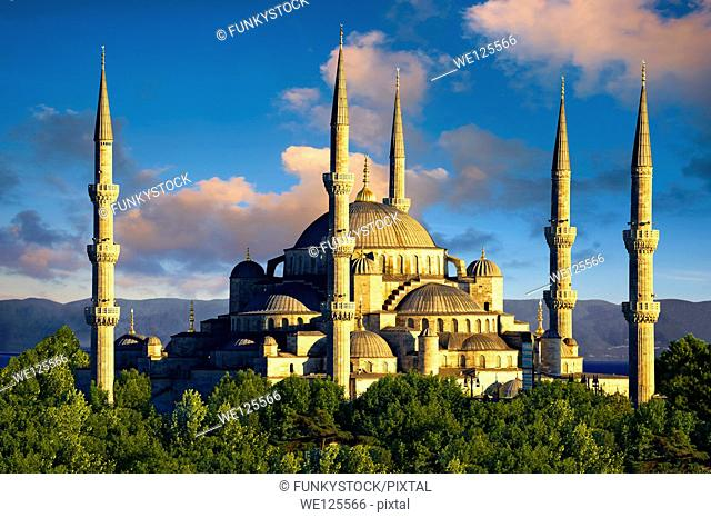 The Sultan Ahmed Mosque (Sultanahmet Camii) or Blue Mosque, Istanbul, Turkey. Built from 1609 to 1616 during the rule of Ahmed I