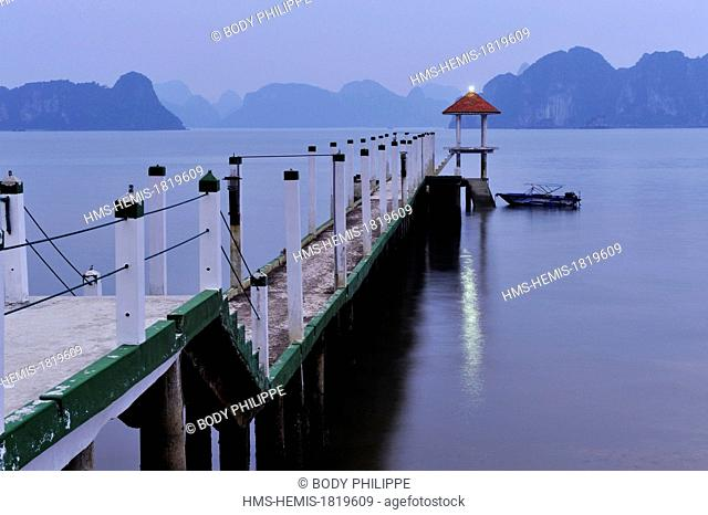 Vietnam, Quang Ninh Province, Halong Bay listed as World Heritage by UNESCO, Van Don island, Bai Dai beach, wooden pontoon
