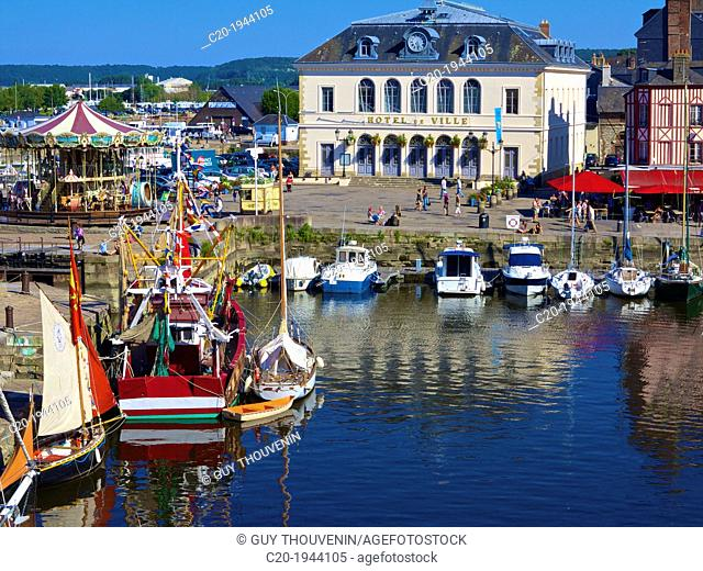 The Old Dock with pleasure boats moored, and Saint Etienne quay and the Town Hall in the background), Honfleur, Auge region, normandy, France