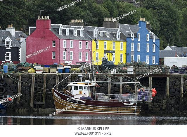 UK, Scotland, Argyll and Bute, Isle of Mull, harbor of Tobermory