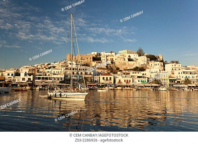 Naxos harbour and the old town Chora, Naxos, Cyclades Islands, Greek Islands, Greece, Europe
