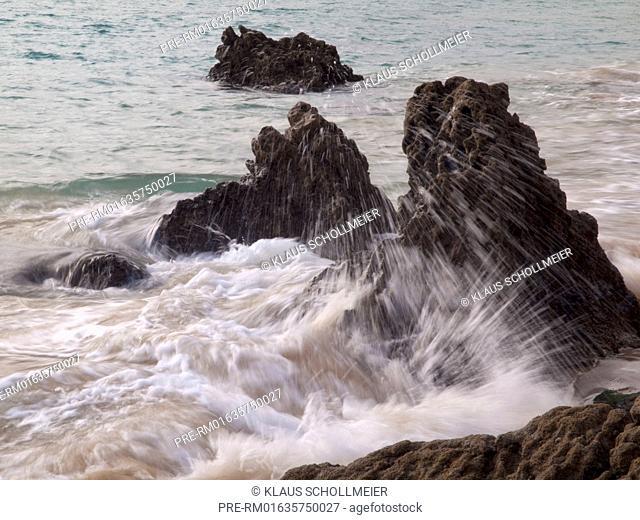 Coast near Sesimbra at Setubal peninsula, Portugal / Küste bei Sesimbra auf der Halbinsel von Setubal, Portugal
