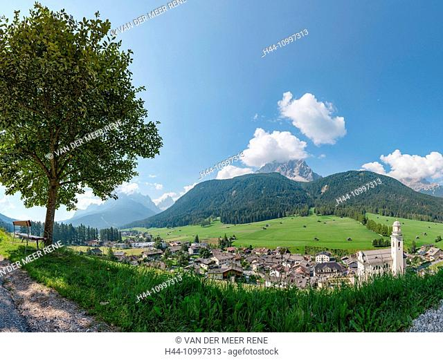Sexten, Sesto, Italia, Village situated at an alpine meadow in the Dolomite mountains